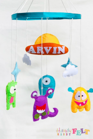 Plush Hanging Baby Toy (Cute Aliens)
